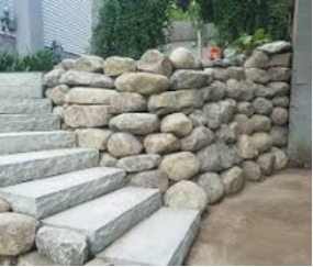 Retaining Walls Milford MI - Squeals Landscaping - 3