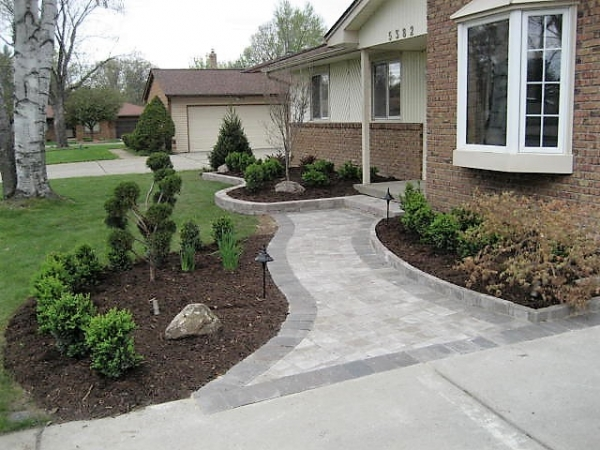Brick Paver Patios Bloomfield Township MI - Squeals Landscaping - landscaping-12